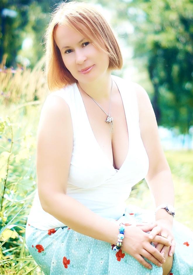 ID 47300 Single Russian woman Oksana, 45 years old from